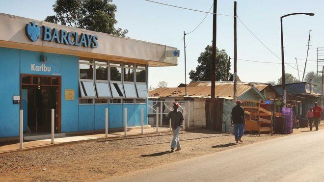 Poros banképület Nairobiban - kép forrása: bbc.com
